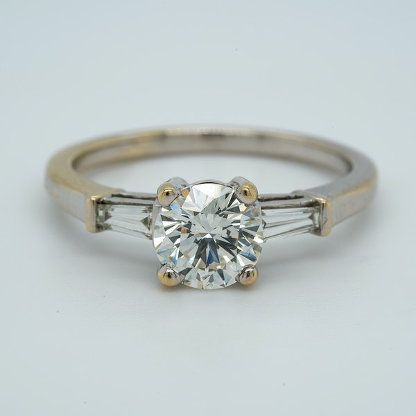 18K white gold 1.10ct Diamond Engagement Ring - image 1