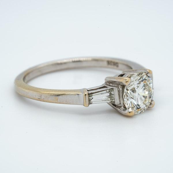 18K white gold 1.10ct Diamond Engagement Ring - image 2