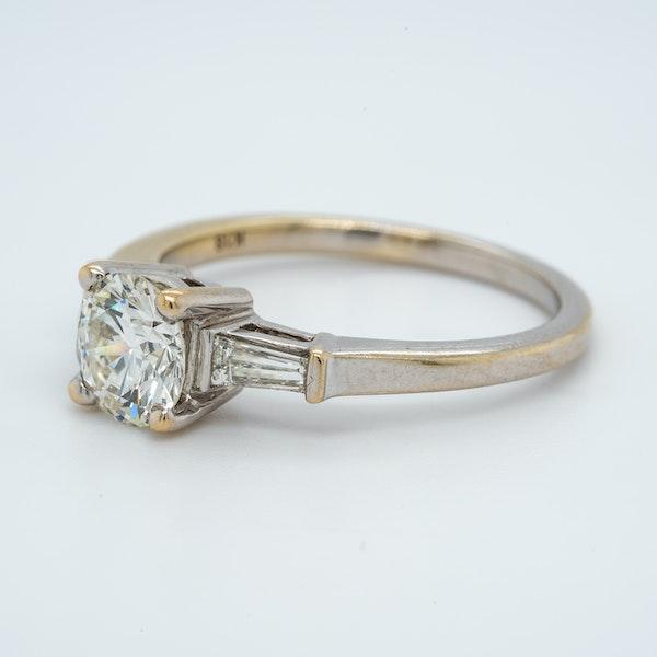 18K white gold 1.10ct Diamond Engagement Ring - image 3