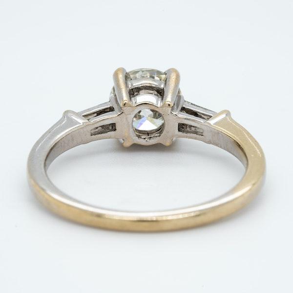 18K white gold 1.10ct Diamond Engagement Ring - image 4