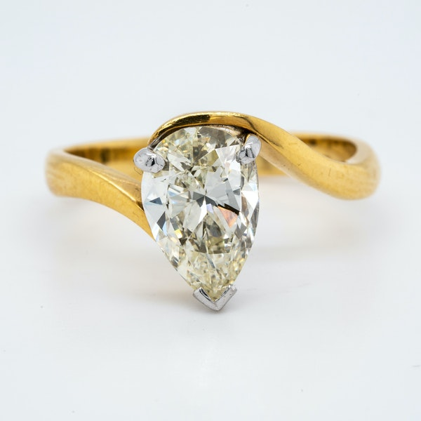 18K yellow gold 1.99ct Diamond Solitaire Engagement Ring - image 1