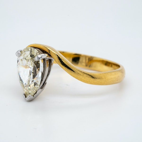 18K yellow gold 1.99ct Diamond Solitaire Engagement Ring - image 2