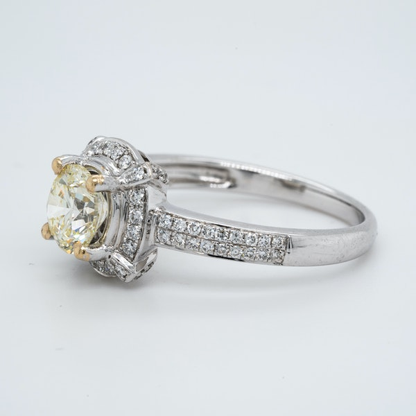 18K white gold 1.02ct (+0.60ct) Diamond Engagement Ring - image 3