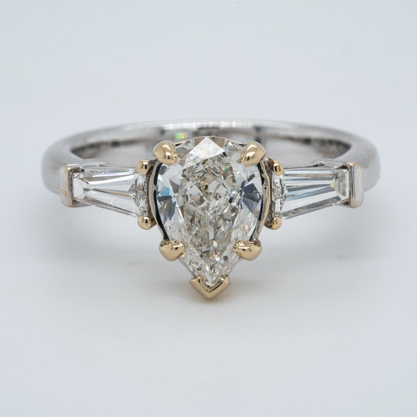 18K white gold 1.08ct (+0.30ct) Diamond Engagement Ring - image 1