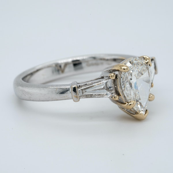 18K white gold 1.08ct (+0.30ct) Diamond Engagement Ring - image 2