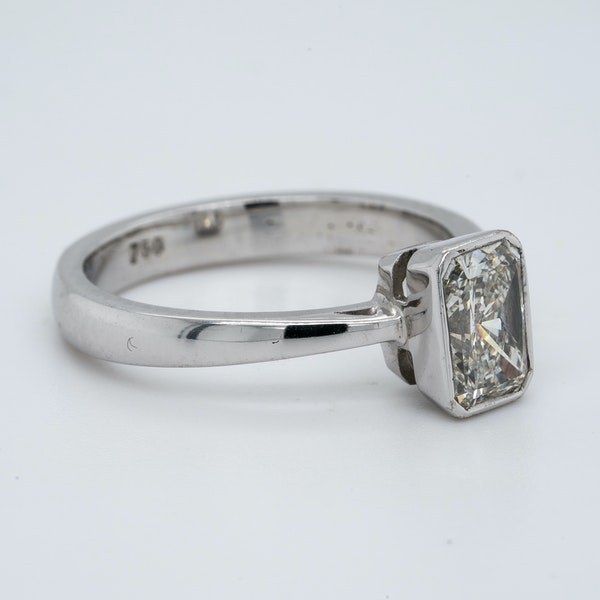 18K white gold 1.06ct Diamond Solitaire Engagement Ring - image 2