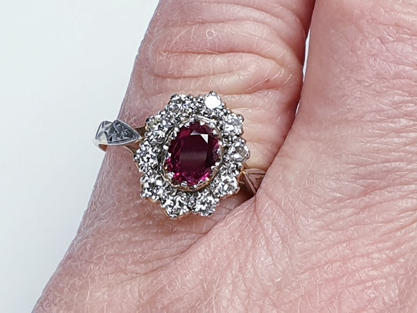 Edwardian Siam Ruby and Diamond Cluster Ring  DBGEMS - image 4