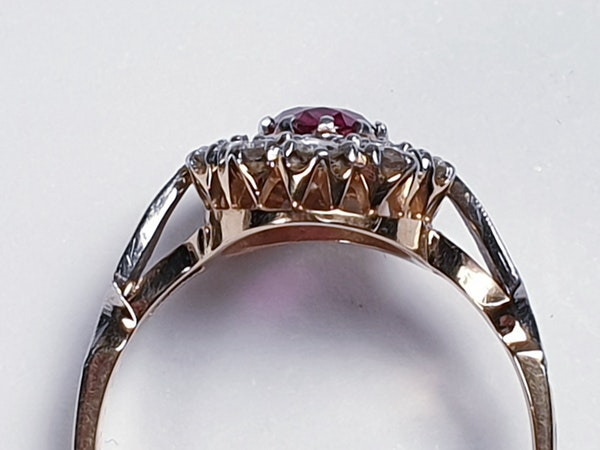 Edwardian Siam Ruby and Diamond Cluster Ring  DBGEMS - image 2