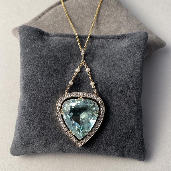 Date: circa 1900, Platinum & 15ct Yellow Gold, Aquamarine, Diamond and Seed Pearl stone set Pendant, SHAPIRO & Co since1979 - image 4