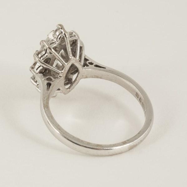 Vintage Single Marquise Cut Diamond Cluster Ring in 18 Carat Gold, English circa 1980. - image 3