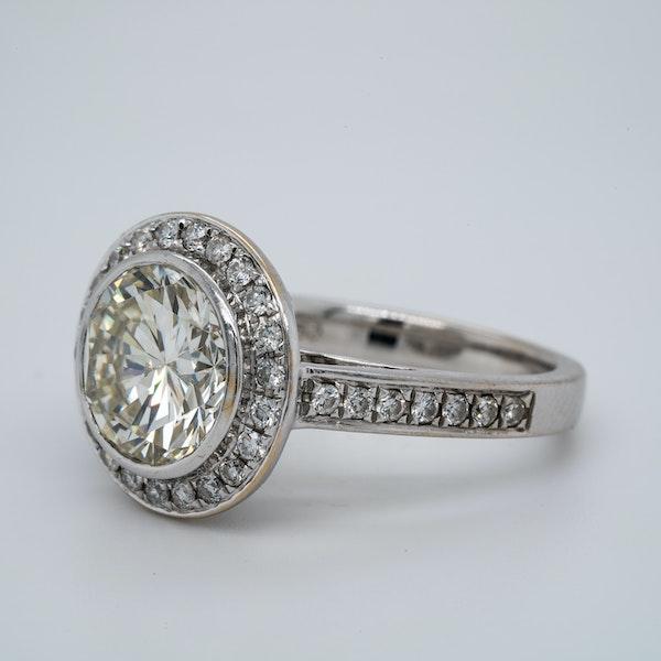 18K white gold 3.32ct (+1.01ct) Diamond Engagement Ring - image 3