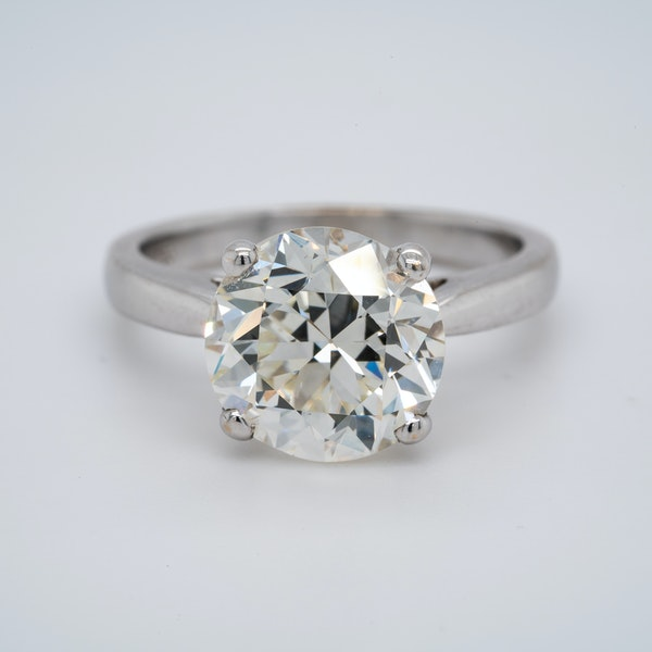 18K white gold 4.68ct Diamond Engagement Ring - image 1