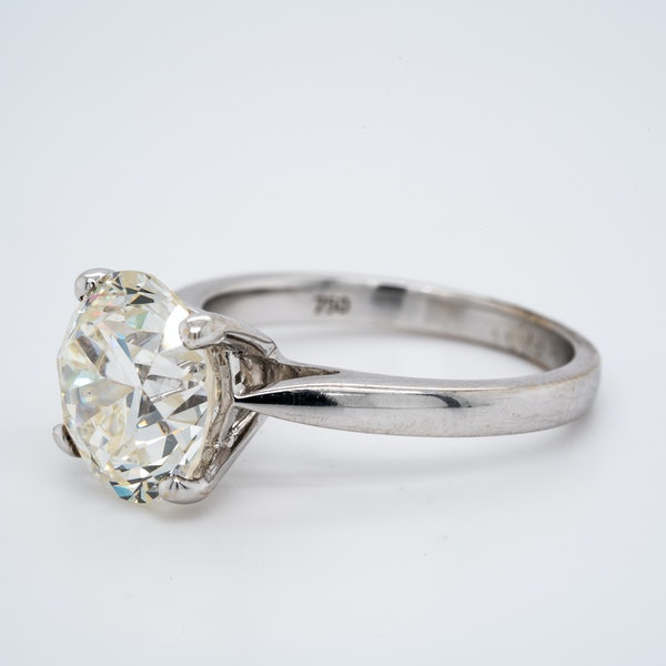 18K white gold 4.68ct Diamond Engagement Ring - image 3