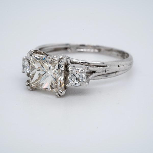 18K white gold 2.01ct Diamond Engagement Ring - image 3