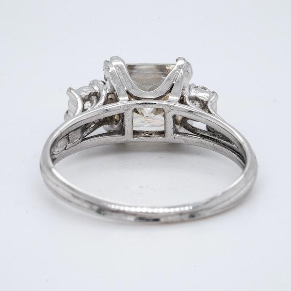 18K white gold 2.01ct Diamond Engagement Ring - image 4