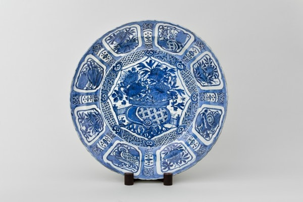 A LARGE CHINESE KRAAK CHARGER, 1610-1630 - image 1