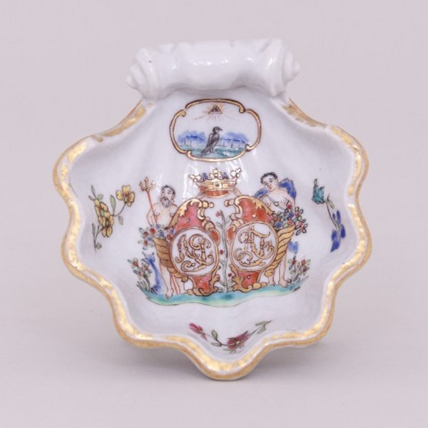 A PAIR OF RARE CHINESE FAMILLE ROSE ARMORIAL SALTS WITH GRIPENBERG COAT OF ARMS, QIANLONG (1736-1795) - image 1