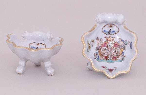A PAIR OF RARE CHINESE FAMILLE ROSE ARMORIAL SALTS WITH GRIPENBERG COAT OF ARMS, QIANLONG (1736-1795) - image 2