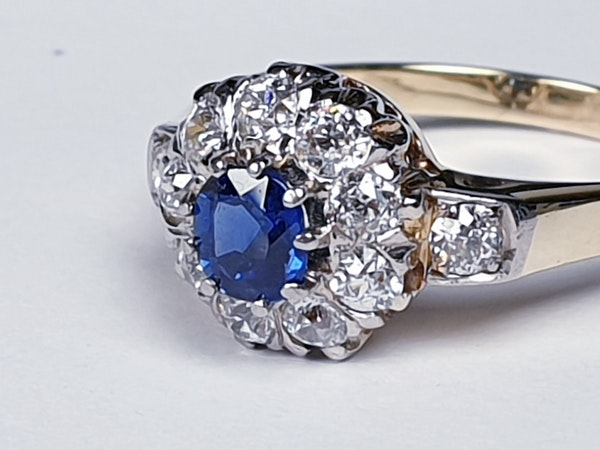 Antique Sapphire and Diamond Cluster Ring 2524   DBGEMS - image 4
