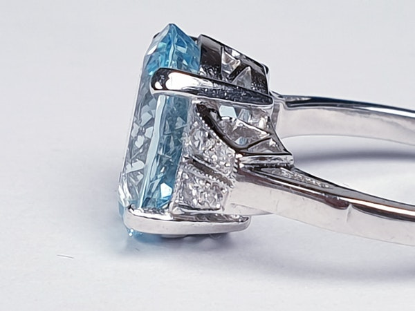 Oval aquamarine and diamond dress ring  DBGEMS - image 4