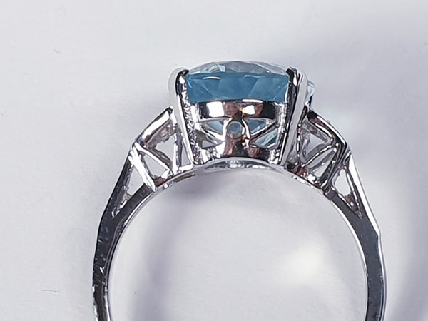 Oval aquamarine and diamond dress ring  DBGEMS - image 3
