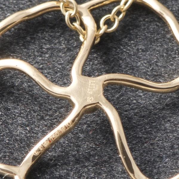 Date: 2010's, 18k Yellow Gold Pendant (Happy Petal) by Lilly Shapiro,,,,,,,,,,,,,,, SHAPIRO & Co since1979 - image 6