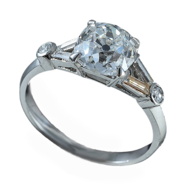 MM6080r Art Deco diamond 1.80ct old cut centre, baguette diamond shoulders 1920c - image 1