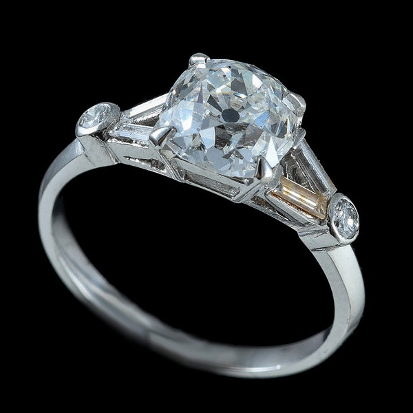 MM6080r Art Deco diamond 1.80ct old cut centre, baguette diamond shoulders 1920c - image 2