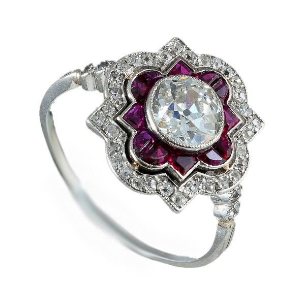 MM6268r ruby diamond platinum set Art Deco ring 1920c - image 1