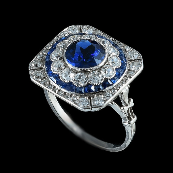 MM6286r Art Deco sapphire  diamond  cluster ring platinum 1920c. Unusually pretty. - image 2