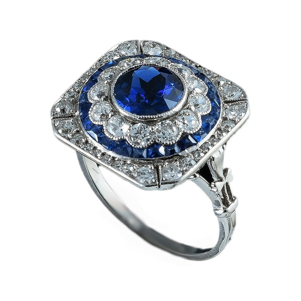 MM6286r Art Deco sapphire  diamond  cluster ring platinum 1920c. Unusually pretty. - image 1