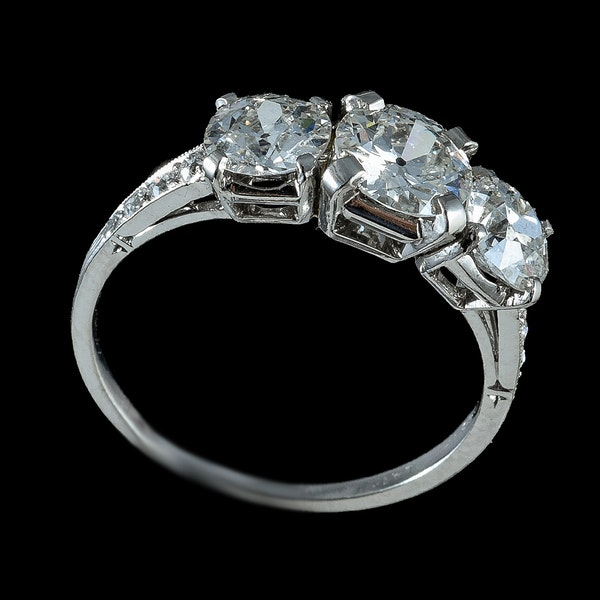 MM6305r platinum set three stone diamond ring 2.30ct total 1960c - image 2