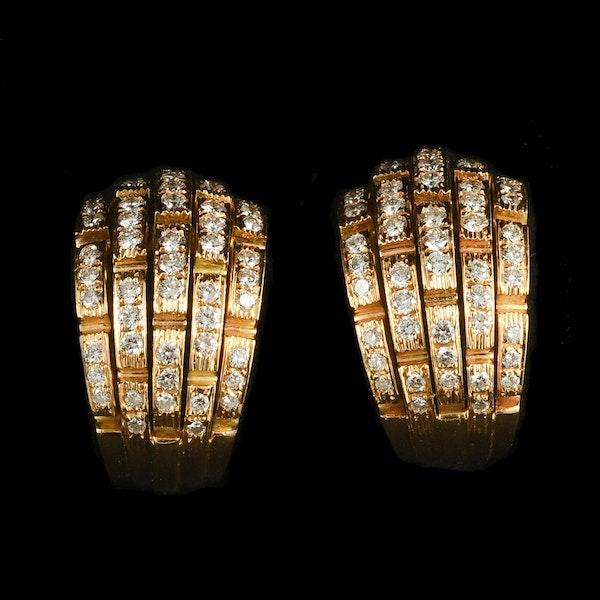 MM6417e  Cartier gold diamond  clip earrings 1980/90c - image 1