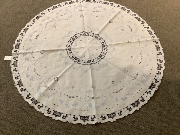 Set 5 hand embroidered and bobbin lace mats 15cm diameter c1900 - image 1