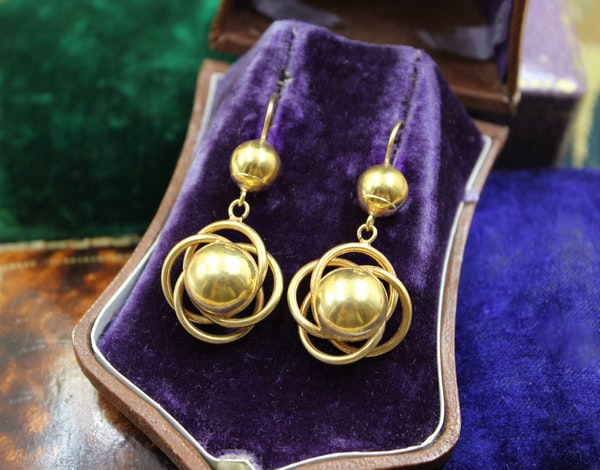 A very fine pair of Celestial Earrings in High Carat Yellow Gold, English, Circa 1880 - 1910 - image 1