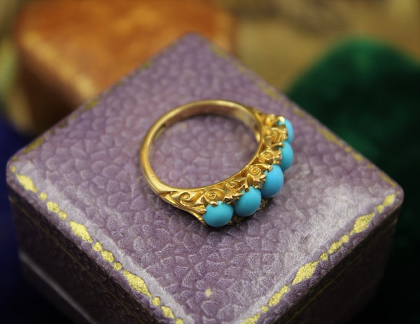 A Victorian Turquoise & Diamond Five Stone Ring set in 18ct Yellow Gold, English, Circa 1890 - image 2