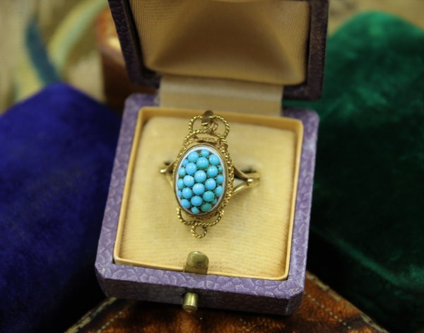 A very fine Victorian Turquoise Serpentine Cluster Ring set in 18ct Yellow Gold, English, Circa 1880 - image 3