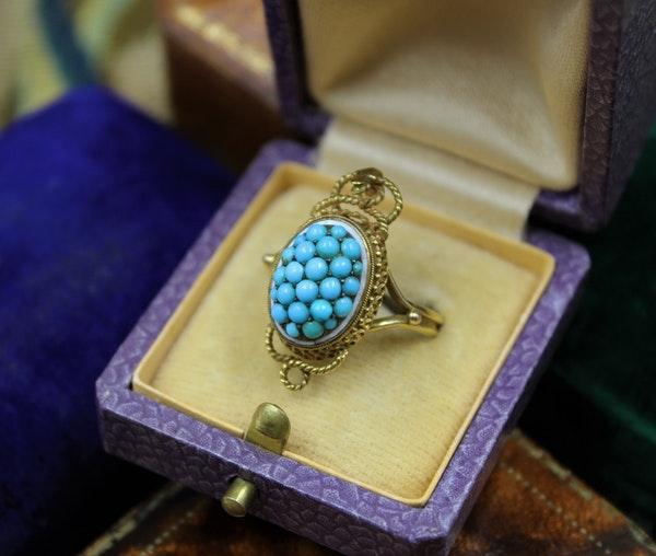 A very fine Victorian Turquoise Serpentine Cluster Ring set in 18ct Yellow Gold, English, Circa 1880 - image 4