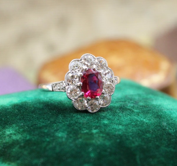 A very fine Siam Ruby & Diamond Cluster Ring mounted in Platinum, English, Circa 1930 - image 1