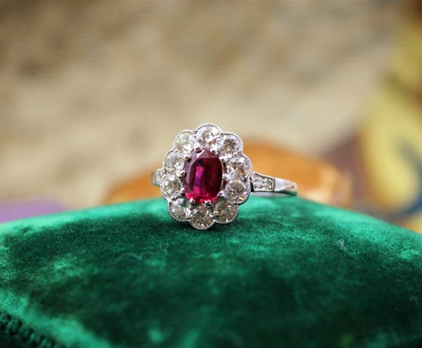 A very fine Siam Ruby & Diamond Cluster Ring mounted in Platinum, English, Circa 1930 - image 2
