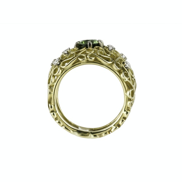 Gold Ring Set with a Tsavorite  and Diamonds - image 2