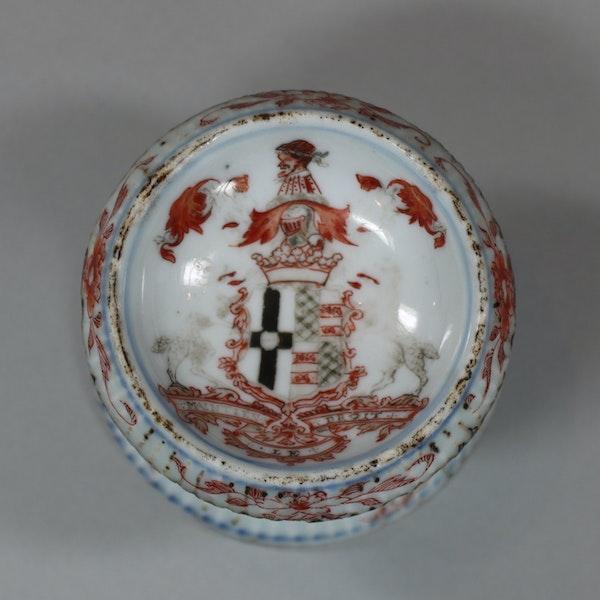 Chinese Imari ribbed armorial salt, Yonzheng (1723-1735) - image 2