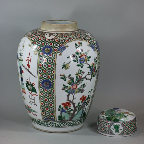 Chinese famille-verte ovoid jar and cover, Kangxi (1662-1722) - image 3