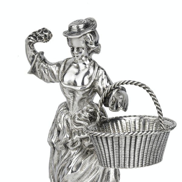 A pair of Scottish silver figural salts. - image 3