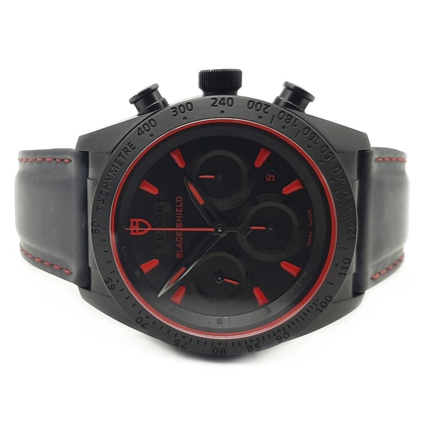 TUDOR FASTRIDER BLACK SHIELD 42000CR - image 4