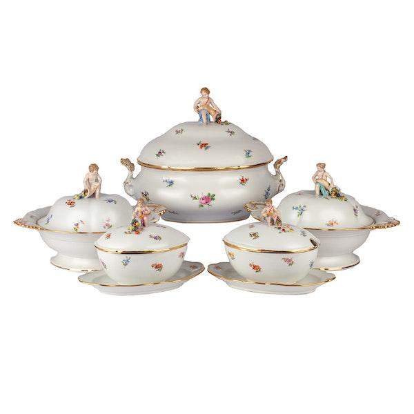 Large 19th century Meissen dinner service - image 1
