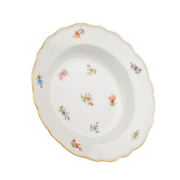 Large 19th century Meissen dinner service - image 17