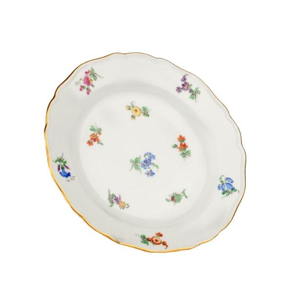 Large 19th century Meissen dinner service - image 16