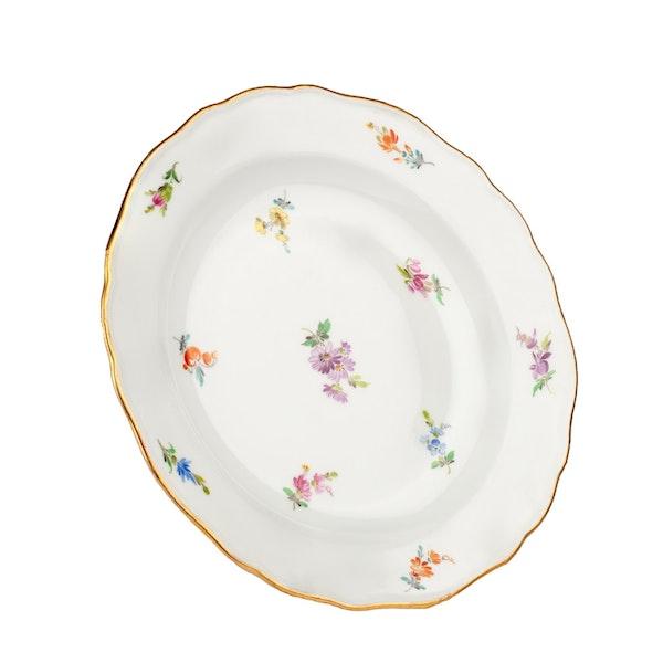 Large 19th century Meissen dinner service - image 15