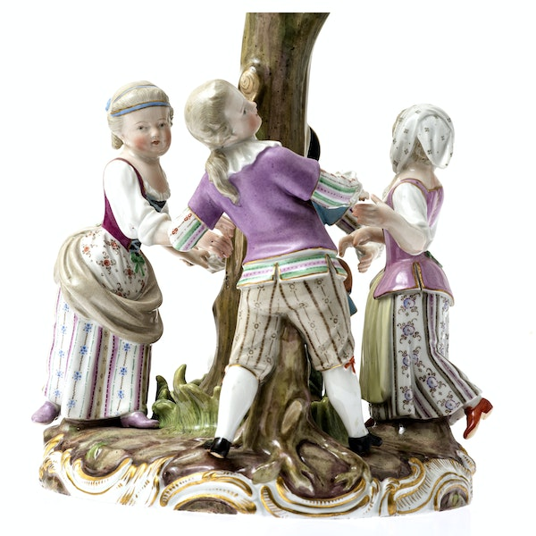 """Meissen group """"ring a ring a roses"""" - image 2"""